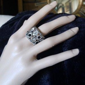 Jewelry - Black & Diamond Stretch Ring